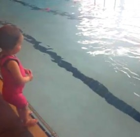 2yr baby can swim width of swimming pool