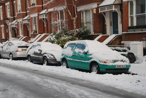 Snow causes nationwide chaos for travel and schools