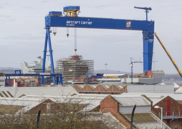 THE LARGEST CRANE IN THE UK IS UP FOR SALE