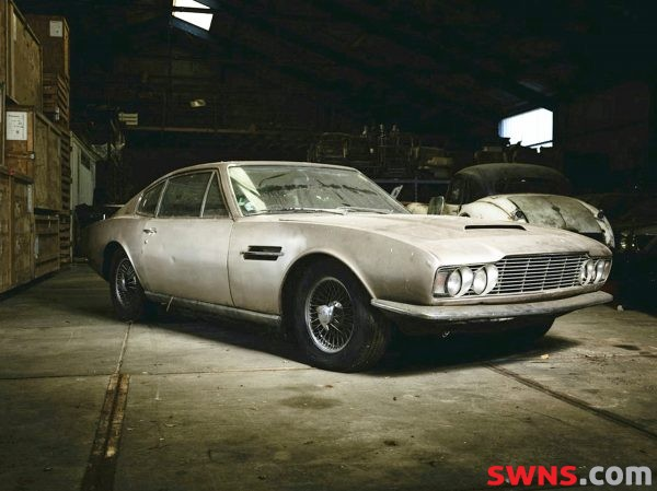 UNRESTORED ASTON MARTIN LEFT IN BARN FOR 30YRS TO SELL FOR £60K