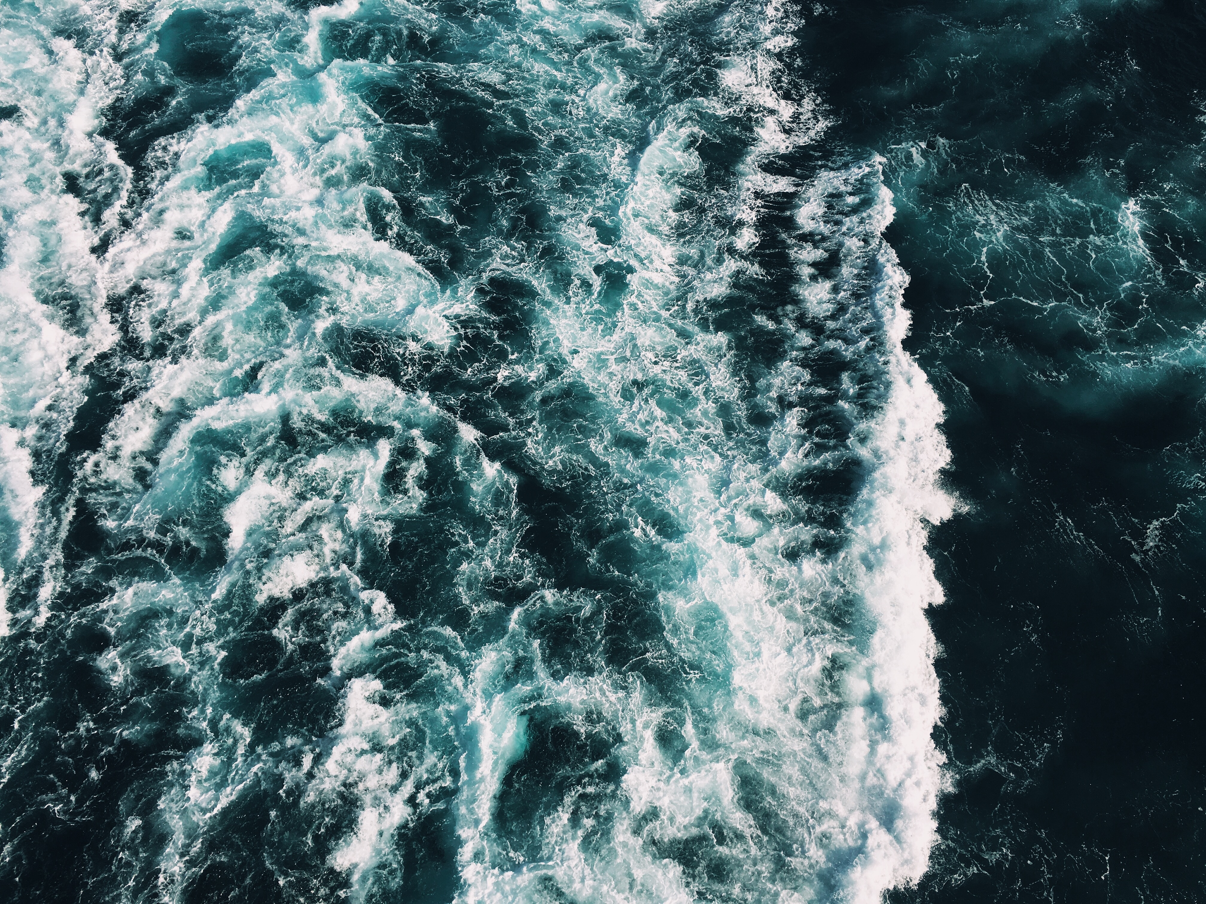 SWIMMING WOMAN DROWNS WHILE OUT AT SEA