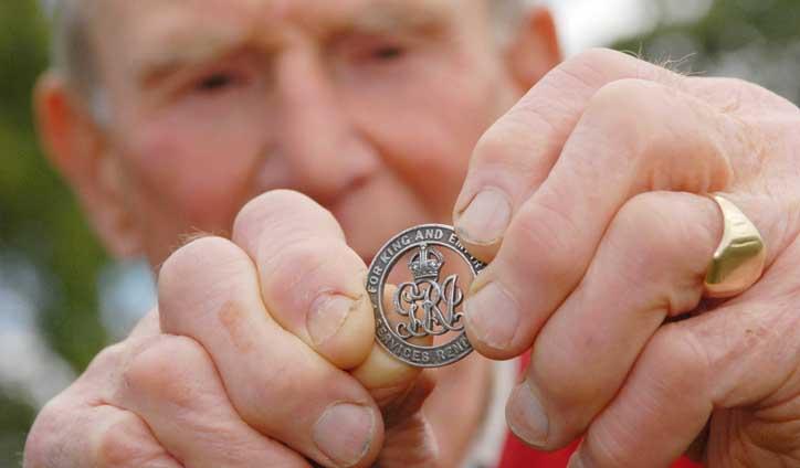 Long lost war medal returned