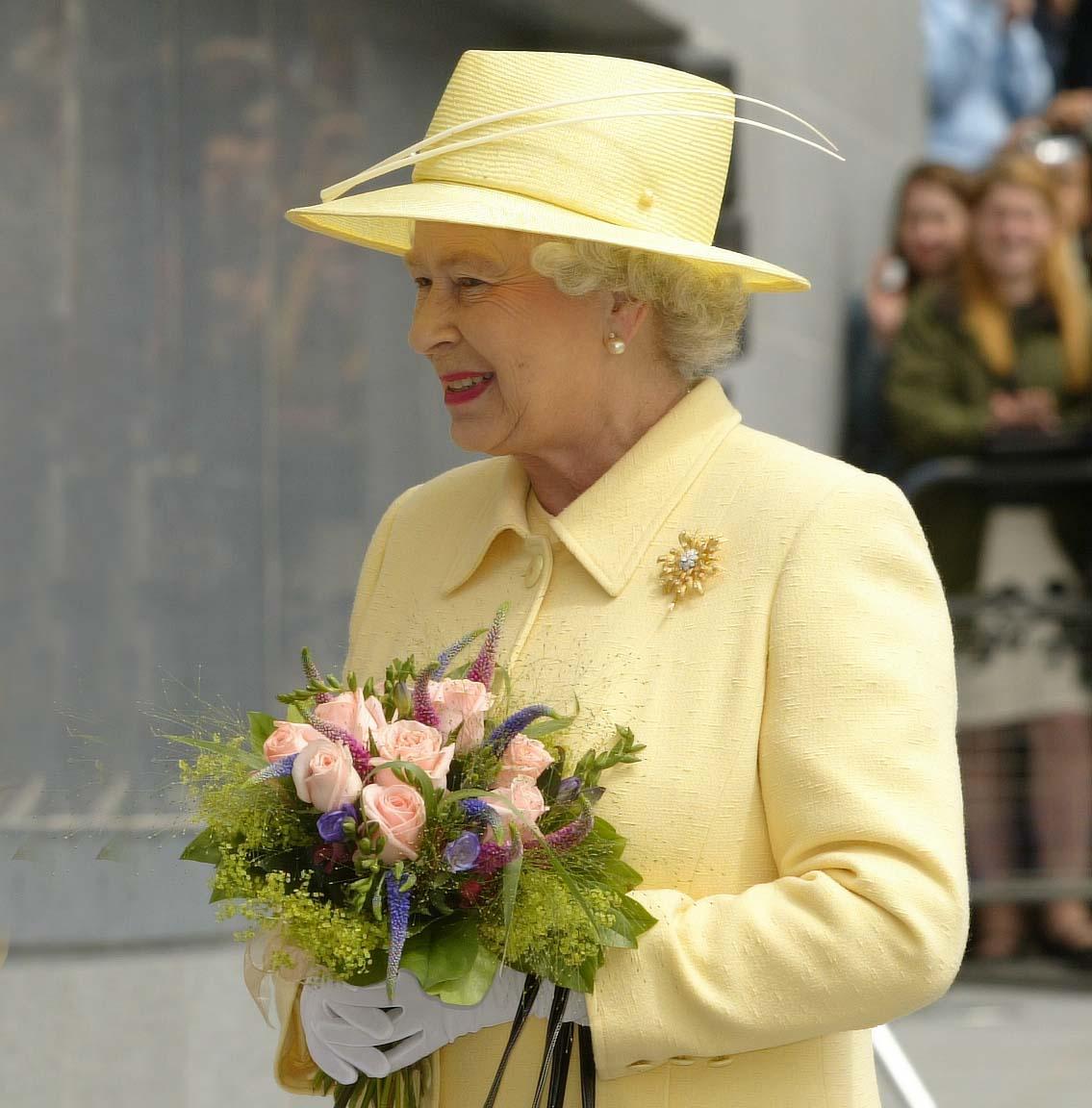 'Bomb' found in Ireland ahead of Queen Visit
