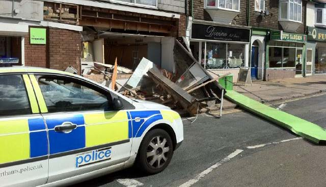 Cashpoint nicked from Co-op