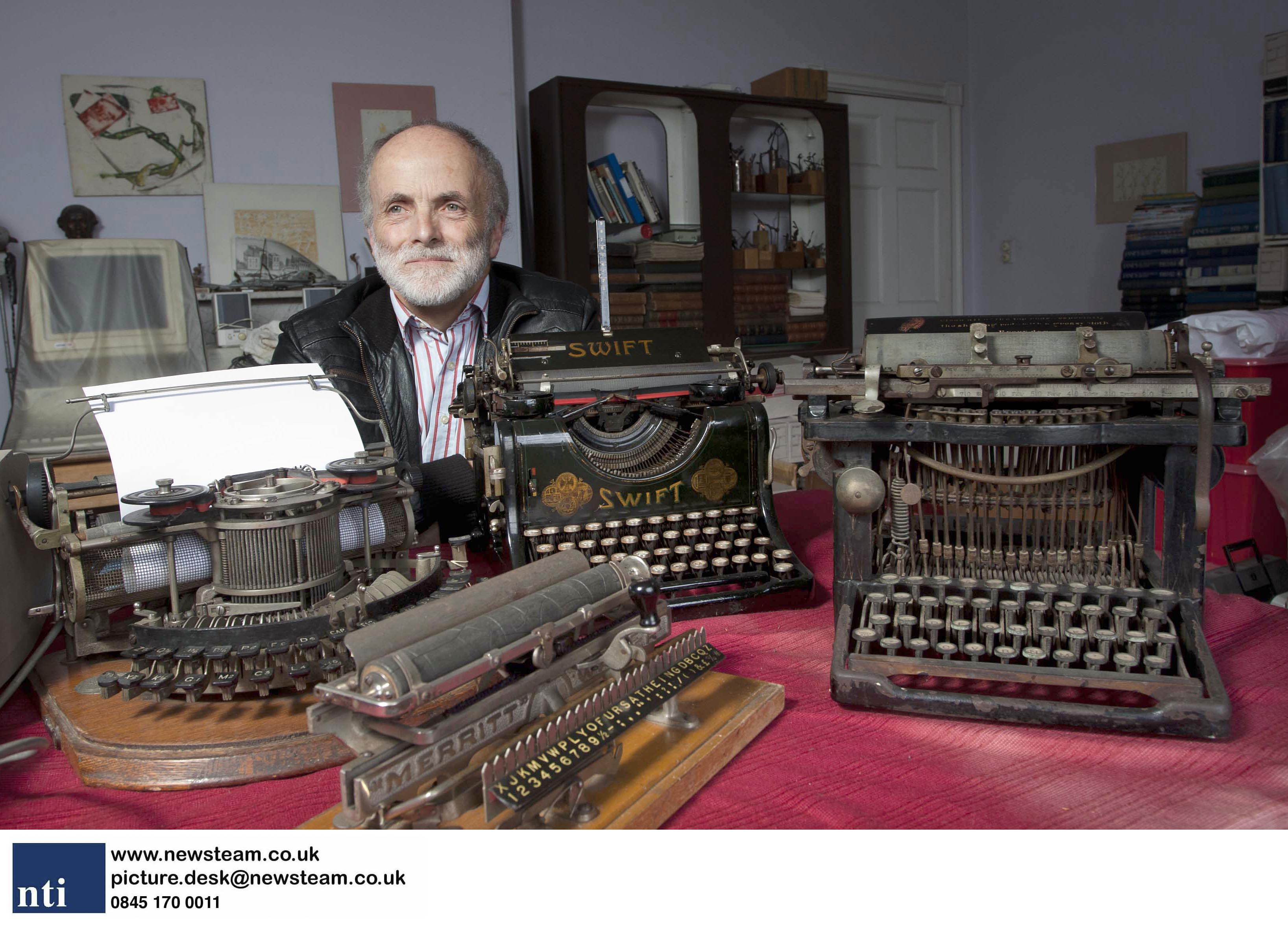 A collection of 250 typewriters… and every single ones still works