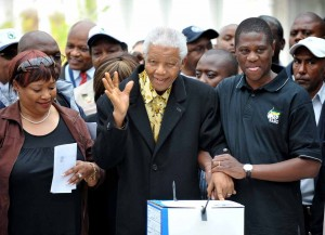 Mandela in hospital scare with failing health
