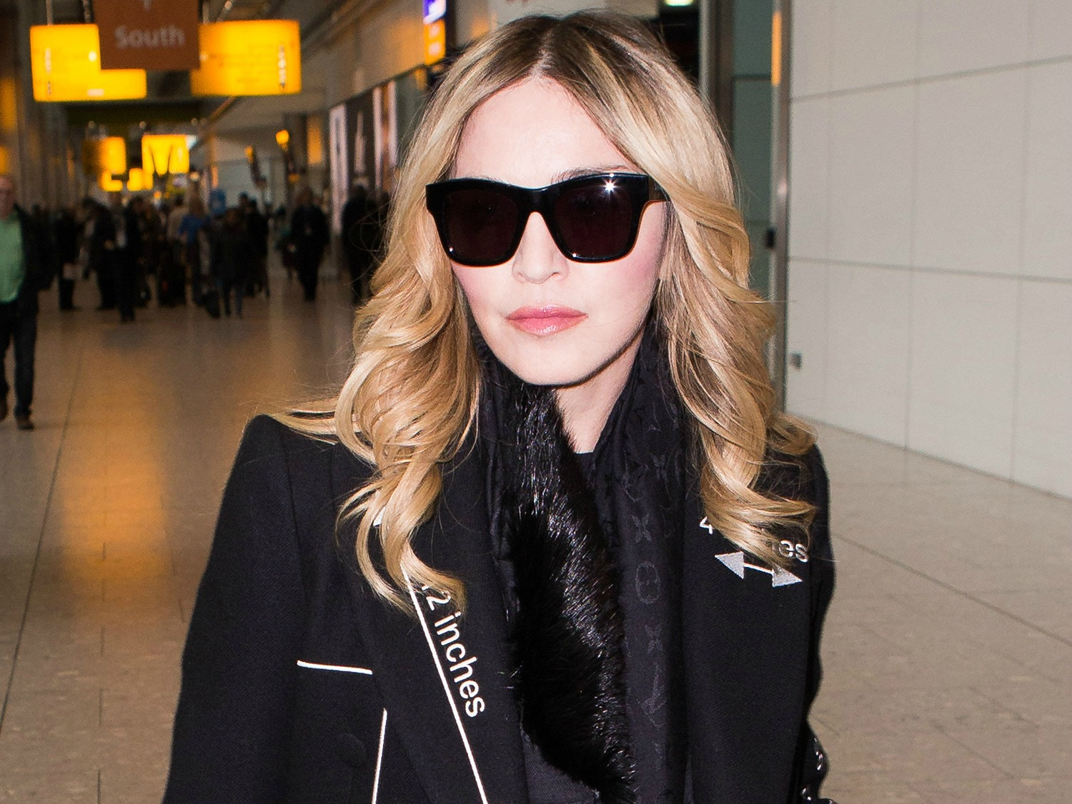 MADONNA FLIES IN TO LONDON TO SMOOTH RIFT WITH ROCCO