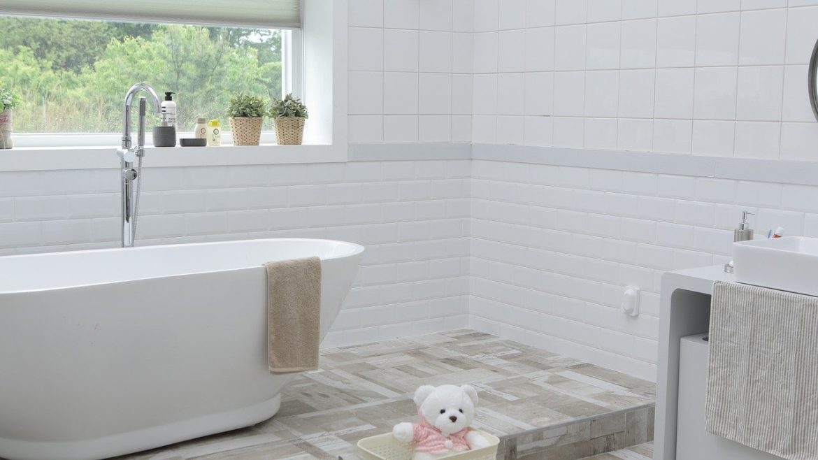 Why You Need to Teach Your Children to Do Bathroom Cleaning Duties