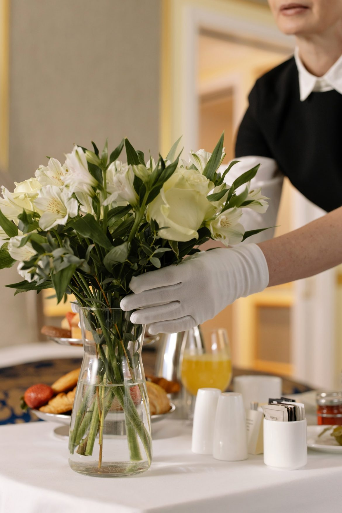 How housekeeping uniforms keep you safe at work