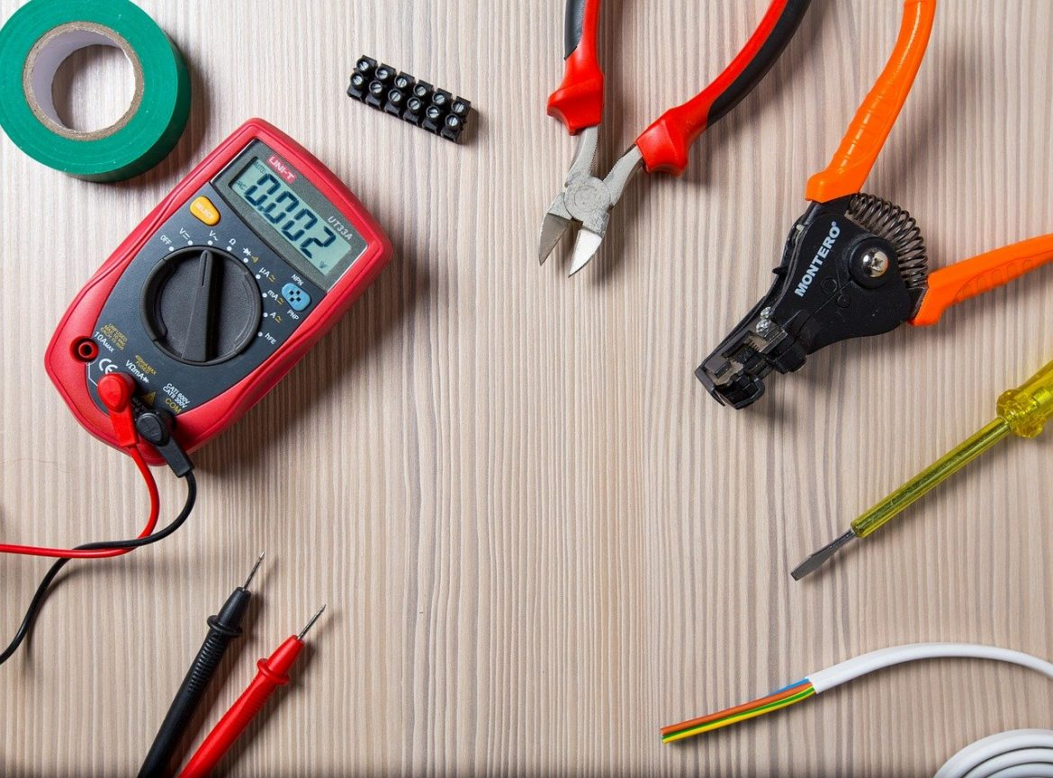 The Best Way to Use Wire Strippers, And Which Ones You Need