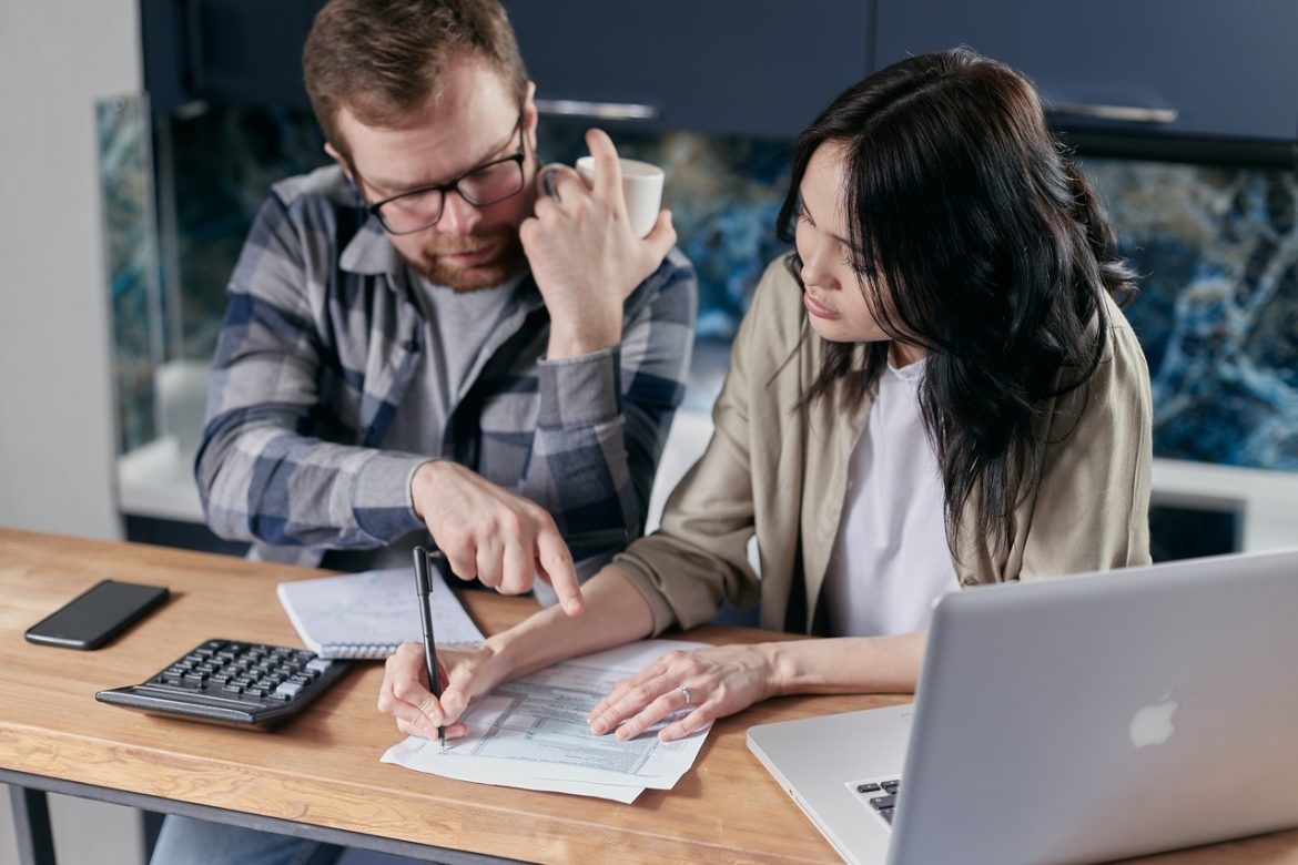 5 Reasons to Hire a Debt Management Company in 2021