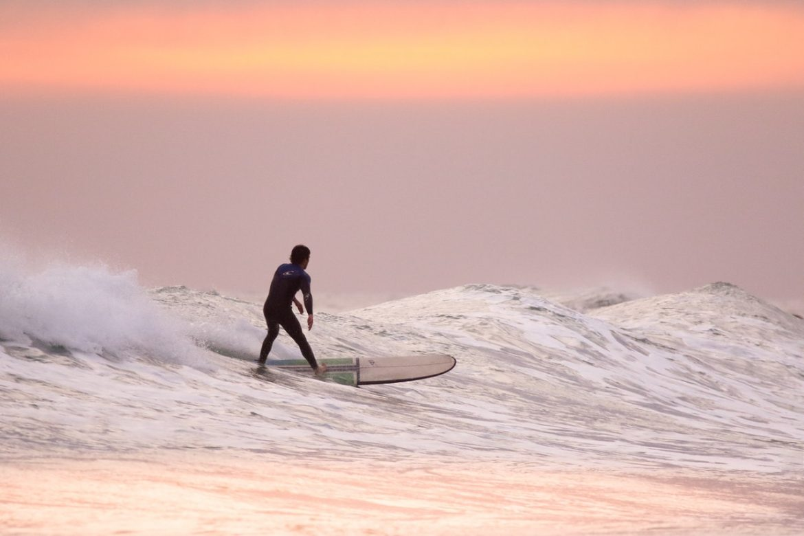 How Beginners Can Start Learning to Surf